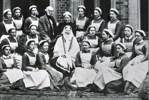 Florence nightingale with trainee nurses at st thomas Nursing school