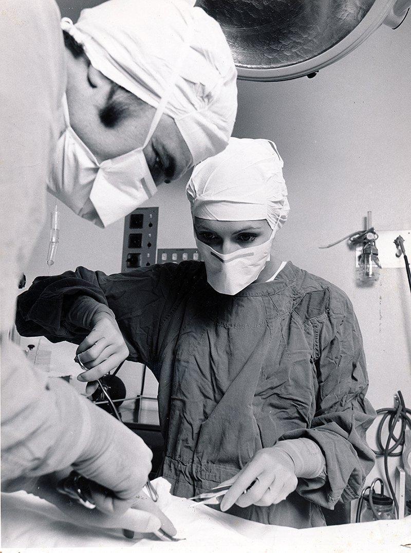 1970s_operating theatre