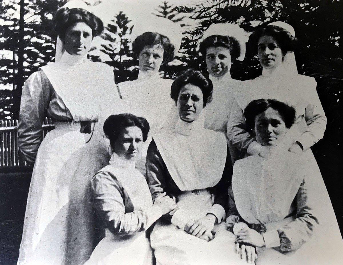 1896 1st graduating class of coast hospital nurses