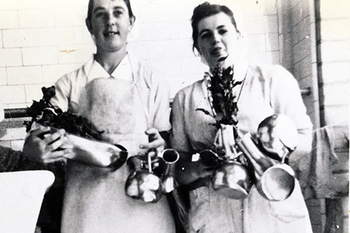 1950s_nurses with bedpans