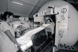 1970s Prince Henry Hospital hyperbaric chamber