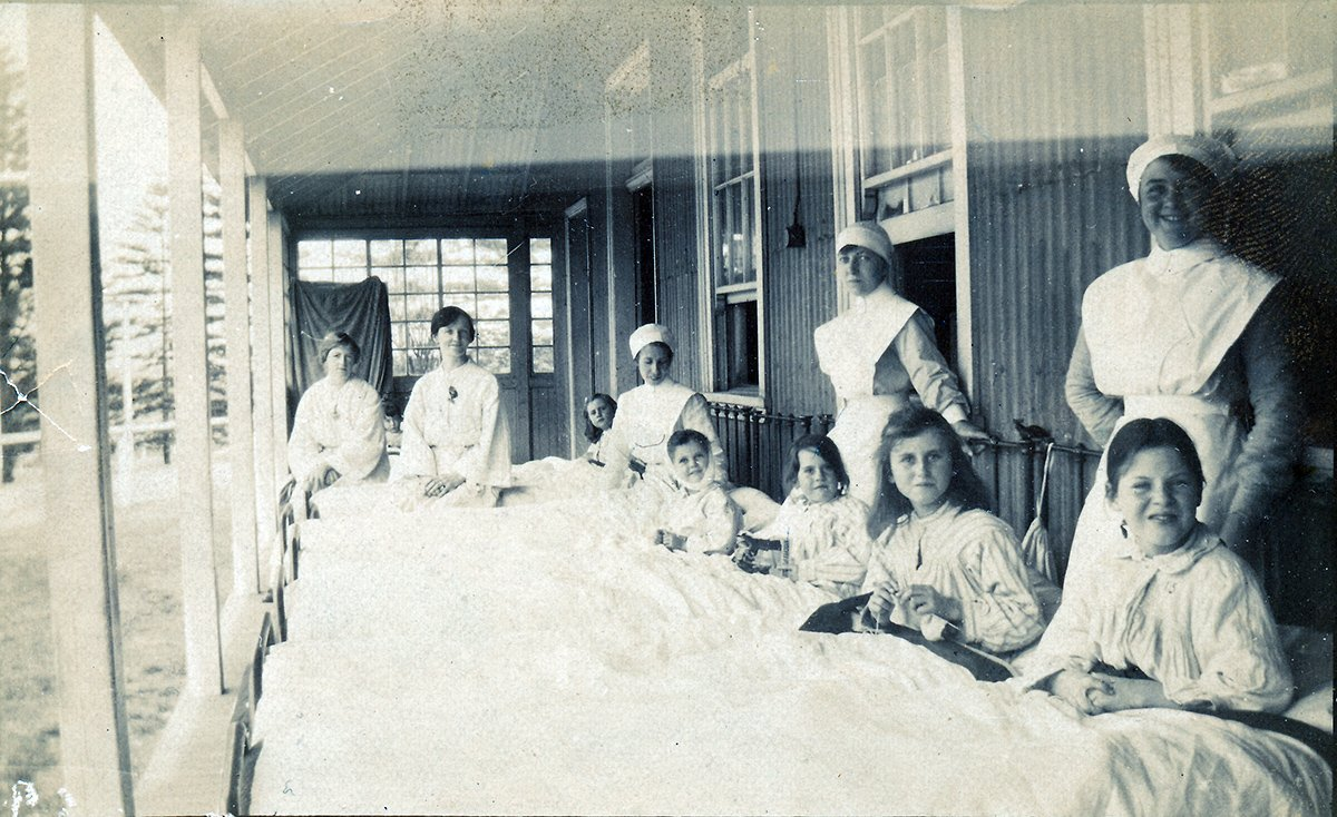 Children in beds on the balcony at The Coast Hospital